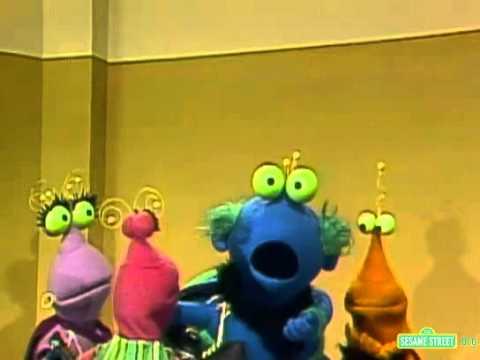 Classic Sesame Street   Twiddlebugs Go Ice Skating