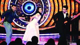 Divya Khosla Kumar directs Salman Khan on his reality show