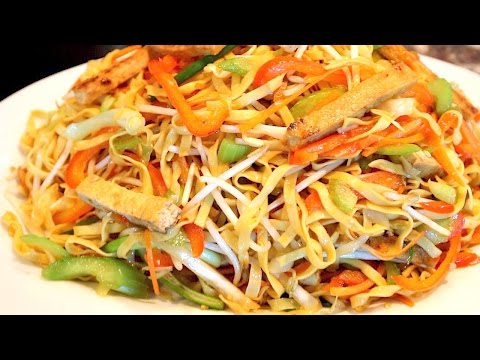 Vegetable Chow Mein Recipe - Stir Fry Noodles with Vegetables and Fried Tofu - Cách làm Mì Xào Chay