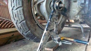 Как правильно снимать колесо со 150 кубого скутера || Trevor Show