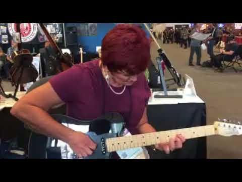 Surprise Guitar Try Out -- Paula Jo Taylor!