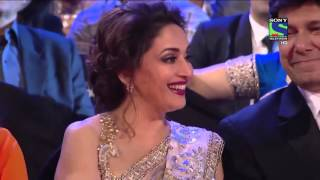 Salman trolls Madhuri and an uncle at 61st Filmfare.Hilarious