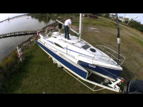 Dragonfly 28 - Trailer boat