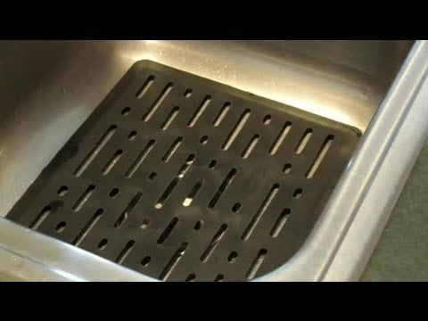 How to Clean Rubber Mats in a Kitchen Sink : Cleaning the Kitchen