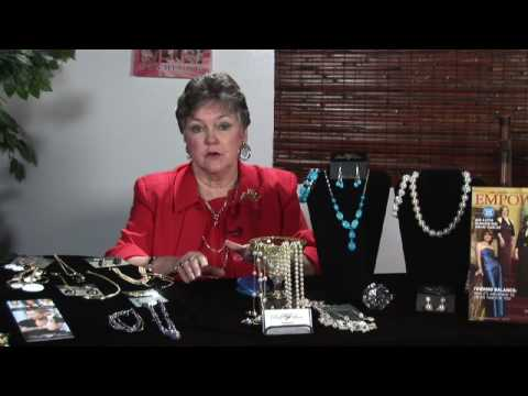 Selling Jewelry : How to Be Successful Selling Retail Jewelry