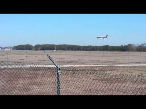 Plane landing in myrtle beach,sc