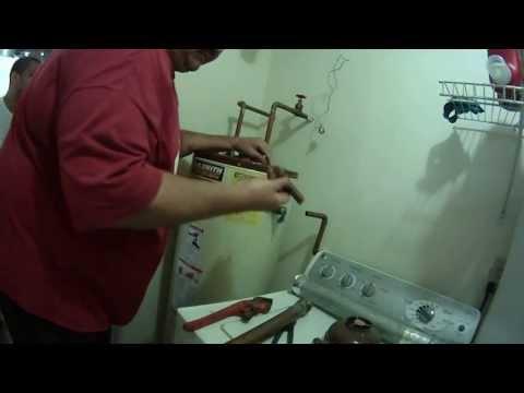 Installing a New RHEEM Gas Water Heater, Big John's Service Co, June 14, 2013, Part 1
