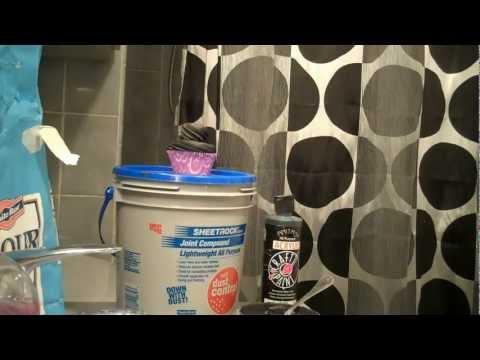 DIY Black Fake Frosting for my Fake Cupcakes