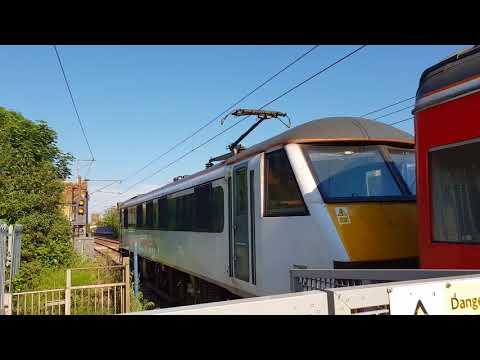 5L54 pass at HKC Greater Anglia intercity 225 movement (90010)
