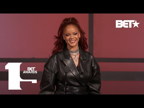 Xxx Mp4 Rihanna Praises Mary J Blige For Paving The Way For Women In Music BET Awards 3gp Sex