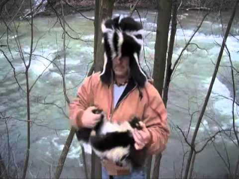 Skunk fur hat and mittens        armbender777@yahoo.com