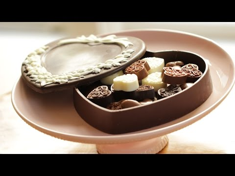 Beth's Valentine's Day Chocolate Box | ENTERTAINING WITH BETH
