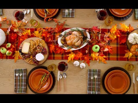 How to Create the Ultimate Friendsgiving Tablescape