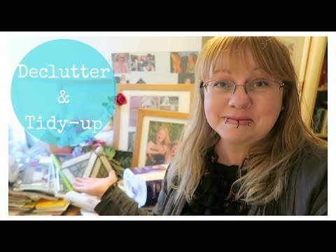 Declutter & tidying up video - stuff in the downstairs bathroom! Includes old cassette tapes