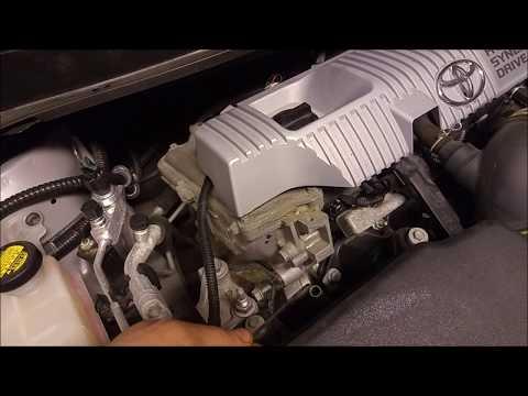 Byta olja och oljefilter på Toyota Prius 1.8 EFi 2010-2015