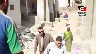 #x202b;مواطن يهرب من لقاء المحافظ .. والمحافظ: بعد ساعتين مش هتعرف إيه اللى هيحصلك#x202c;lrm;