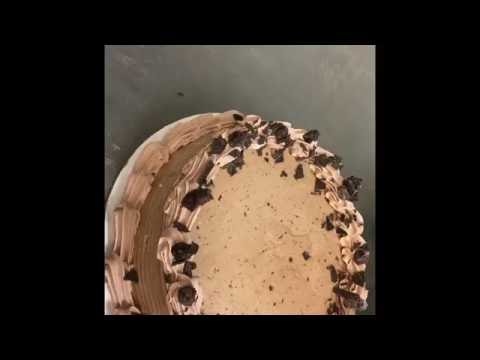 How to make a Chocolate Extreme Icecream cake! Dairy Queen.