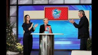 Sandra Bullock & Blake Shelton Play