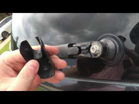 How to Change The Rear Windshield Wiper 2007 Lexus RX 350