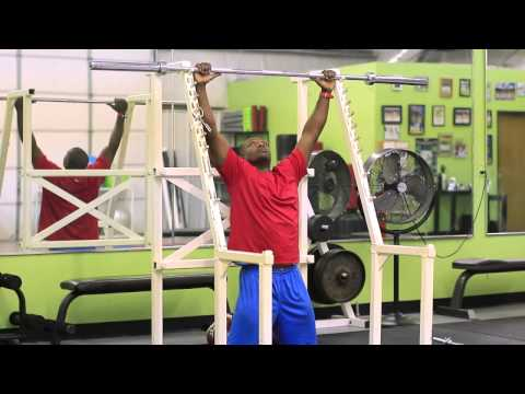How to Get a Bigger Chest With Pull-Ups
