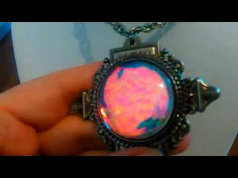 Color-changing necklace orb