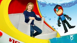 Paw Patrol Submarine Patroller The Assistant and Ryder with Ryder Toys