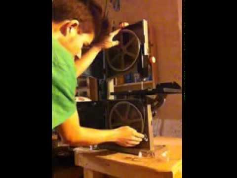 How To Install a Bandsaw Blade for a Ryobi
