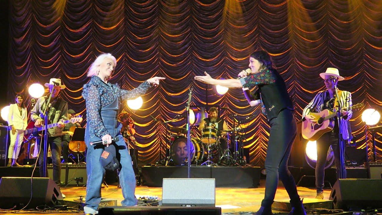 "Tanya Tucker jumps up in front of me to sing ""Delta Dawn"" w Brandi Carlile Live Philadelphia Lyrics"