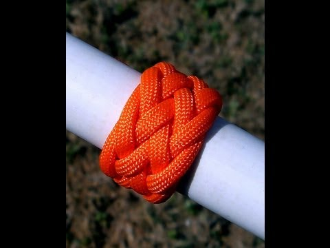 How to Tie a Paracord Gaucho Interweave Knot