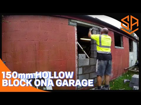 Bricklaying with Steve and Alex 150mm CONCRETE BLOCKS ON A GARAGE