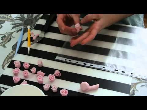 How to make miniature roses out of fondant?