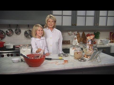 Martha & Little Martha Create Holiday Magic- Martha Stewart