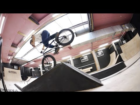 Monster BMX: KEVIN PERAZA Skatepark Session 2017 (BMX STREET)