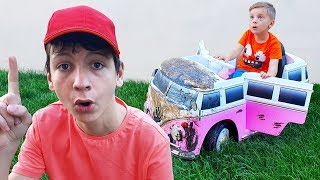 Download Max playing Car Wash with Cleaning Toys Video