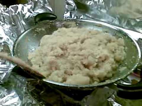 Making pineapple tart (jam)