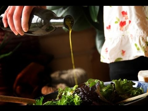 How to make a Flaxseed Oil Salad Dressing