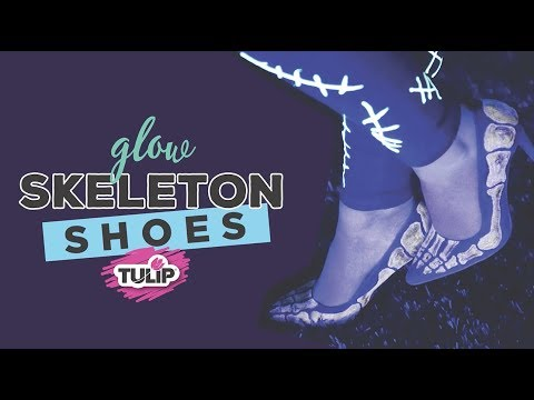 Glow in the Dark Heels using Tulip Glow Soft Paint