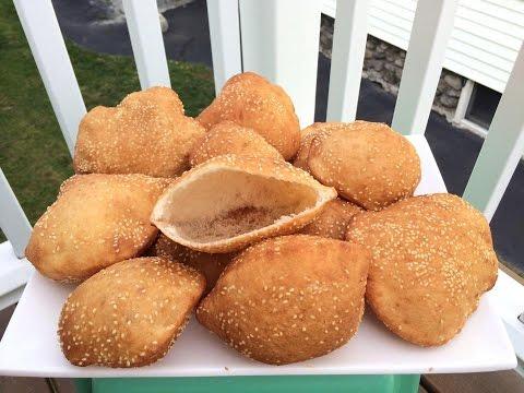 Bánh tiêu   Vietnamese hollow donut