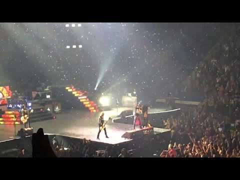 Guns N' Roses - Paradise City - Not In This Lifetime Tour - Hartford, Ct 10/23/17