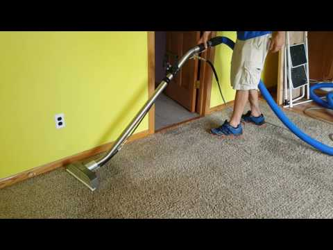 Cleaning a pretty beat up carpet with Saiger's Sauce 1 and new swivel head Devastator wand