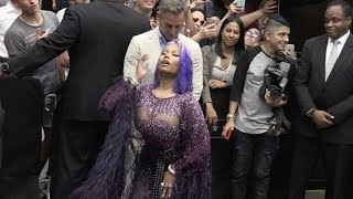 Download Nicki Minaj gives some love to the fans at the Fashion Media Awards in NYC