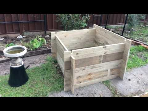 DIY Adjustable garden bed box