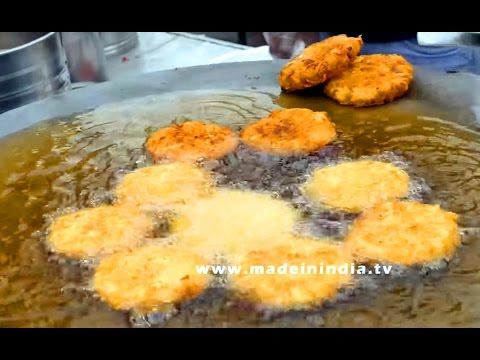 Delhi Style Bhalla Papdi Chaat | Dahi Bhalla Papdi (Puri) Chaat Recipe