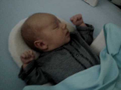 1 MONTH - sleeping in crib