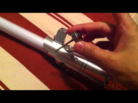 Luke Skywalker Episode IV Force FX lightsaber with removable blade Hasbro Signature Series 2010