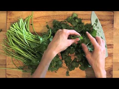 How to remove leaves from cilantro