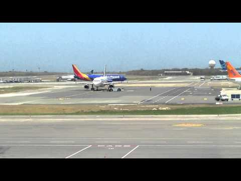 Southwest 737-800 taxing to gate in punta cana