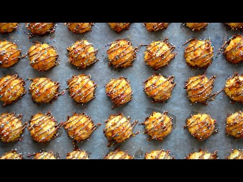 3-Ingredient Coconut Macaroons