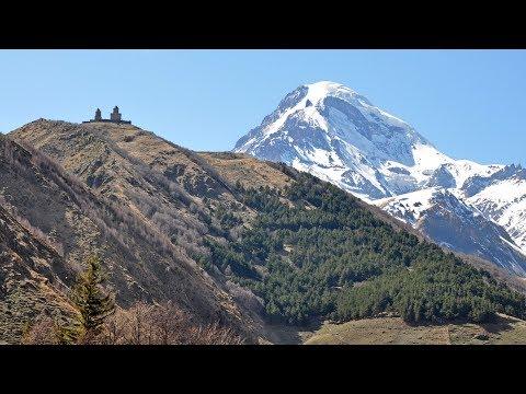 Georgia - Gruzja - caucasian road to Kazbek