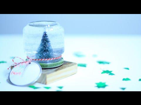 Mason Jar Snow Globe - 10th DIY of Christmas!